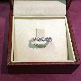 Veretta con diamanti